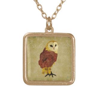 金ルビー色のフクロウのネックレス ゴールドプレートネックレス