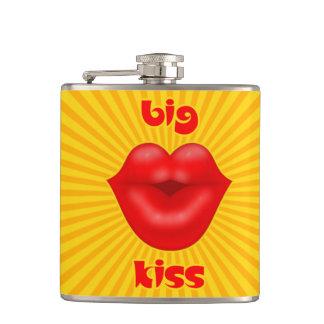 金太陽のな光線の赤い唇の大きいキス フラスク