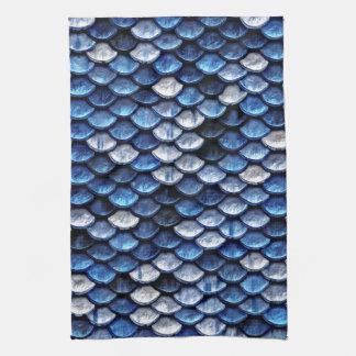 金属コバルトブルーの魚スケールパターン キッチンタオル