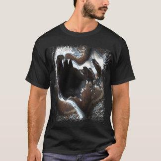 金属愛は1つを傷つけました Tシャツ