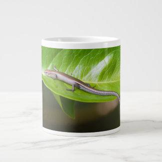 金属涼しいSkink Niveoscincus Metallicus ジャンボコーヒーマグカップ
