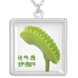 金星のはえのトラップの食虫植物 シルバープレートネックレス