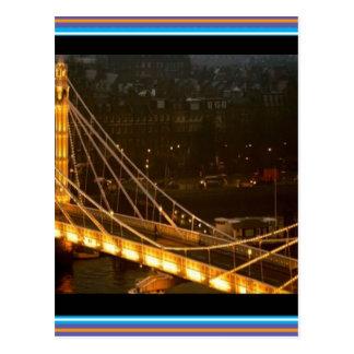 金橋ロンドン夜ライト反射のギフト ポストカード