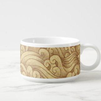 金津波の海の高波のムギ色の海 チリボウル