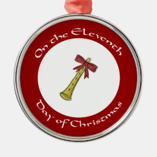 金管ホルンを持つクリスマスのオーナメントの第11日 メタルオーナメント