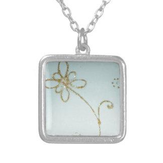 金花のネックレス シルバープレートネックレス