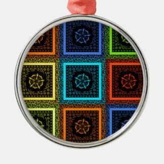 金赤い青緑のマサイ族の伝統的な色 メタルオーナメント