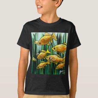 金魚の待っていること Tシャツ