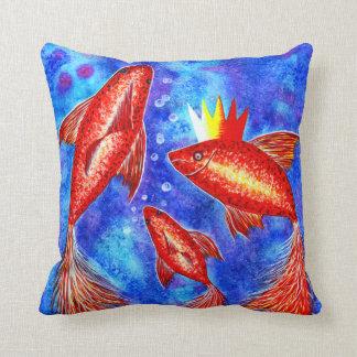 金魚海の女王のデザインの装飾的な枕 クッション
