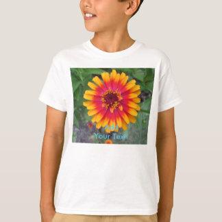 金黄橙色の《植物》百日草の花 Tシャツ