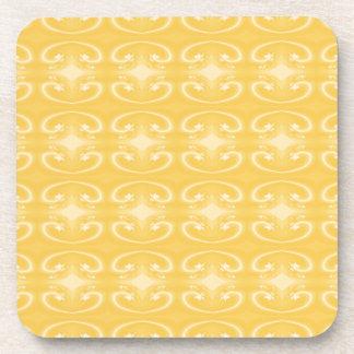 金黄色い色のエレガントな渦巻パターン コースター