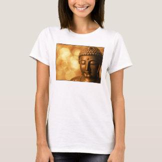 金《写真》ぼけ味の背景が付いている仏の青銅色の彫像 Tシャツ
