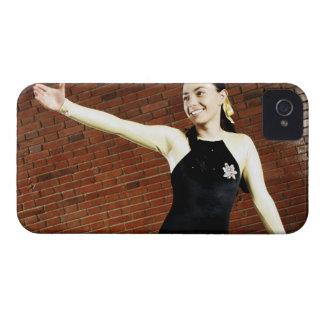 釣り合い梁で練習しているメスの体育専門家 Case-Mate iPhone 4 ケース