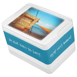 釣り針ラインseeyaのビーチの魚の青い突堤桟橋 缶クーラー