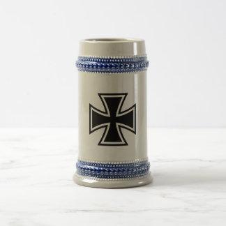 鉄の十字の黒 ビールジョッキ