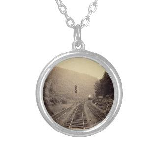 鉄道及び列車のネックレス- #1 シルバープレートネックレス