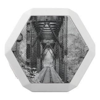 鉄道橋 ホワイトBluetoothスピーカー