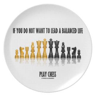 鉛によってバランスをとられる生命演劇のチェスがほしいと思わなければ プレート