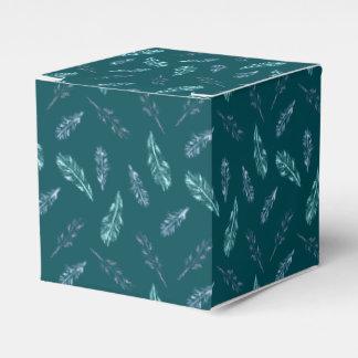 鉛筆はクラシックな好意箱に羽をつけます フェイバーボックス