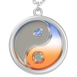 銀および日の出の陰陽 シルバープレートネックレス
