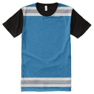 銀および白いトリムが付いている青 オールオーバープリントT シャツ