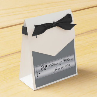 銀および黒の結婚披露宴のギフト用の箱 フェイバーボックス