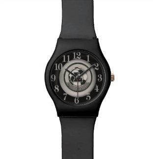 銀メダルのサッカーのモノグラムの手紙L 腕時計
