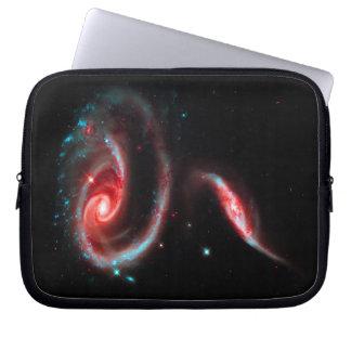 銀河系のバラの赤 ラップトップスリーブ