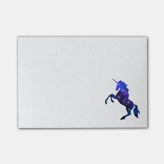 銀河系の青く美しいユニコーンのきらめくイメージ ポストイット
