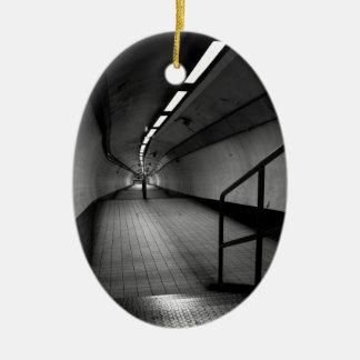 銀行地下の地下鉄 セラミックオーナメント