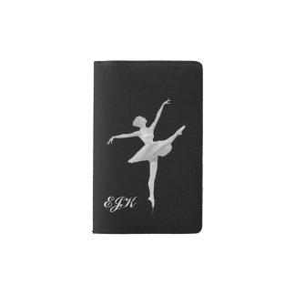 銀製および黒いのモノグラムのバレリーナ ポケットMoleskineノートブック
