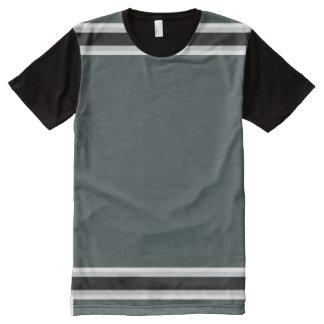 銀製および黒いトリムと深緑色 オールオーバープリントT シャツ