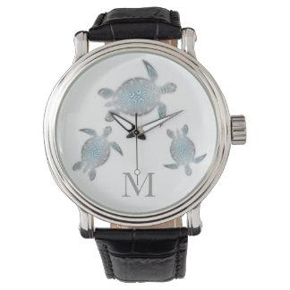 銀製のカメのモノグラム 腕時計