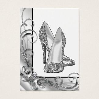 銀製のグリッターのハイヒールの靴 名刺