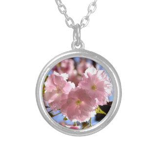 銀製のネックレスの桜 シルバープレートネックレス