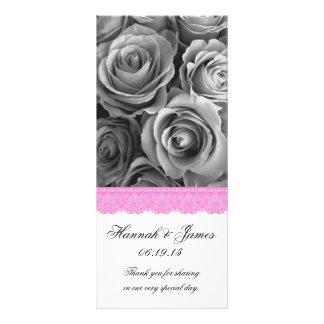 銀製のバラおよびピンクのレースの結婚式プログラム ラックカード