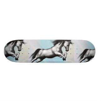 銀製のユニコーン 20CM スケートボードデッキ