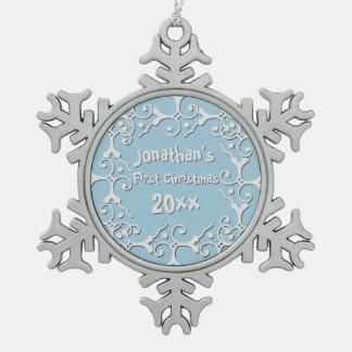 銀製の優雅の名前入りな初めてのクリスマス スノーフレークピューターオーナメント