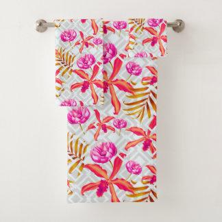 銀製の格子垣の明るい熱帯花 バスタオルセット