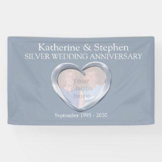 銀製の結婚記念日のハートの写真の旗 横断幕