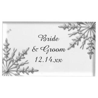 銀製の雪片の冬の結婚式