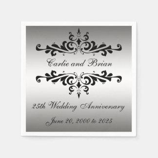 銀製の黒の第25結婚記念日の紙ナプキン スタンダードカクテルナプキン