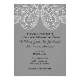 銀製灰色のペイズリー記念日のパーティの招待状 カード