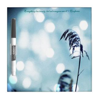 銀Nの青い草の輝きか引用文のホワイトボード ホワイトボード