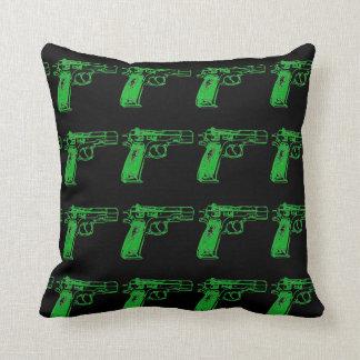 銃のプリントの装飾用クッション クッション