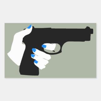 銃の女性の手 長方形シール