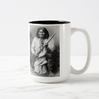「銃のat the ReadyとのGeronimo ツートーンマグカップ