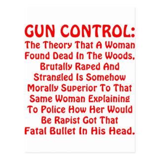 銃砲規制見つけられる死んでいる森で女性 ポストカード
