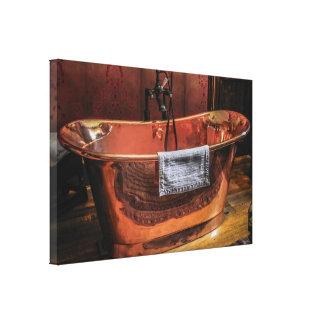 銅の転がトップの浴槽 キャンバスプリント