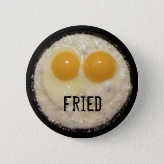 鋳鉄のフライパンボタンの卵 缶バッジ